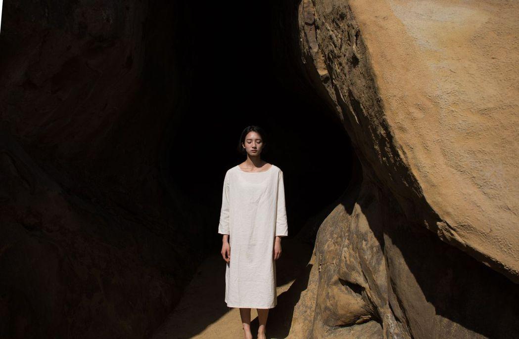 韓寧主演「月亮女孩」有多場夢境演出。圖/公視提供