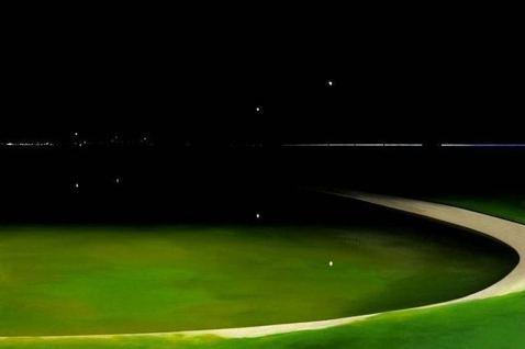 廖震平作品「夜晚的人造湖」。 圖/姚謙提供