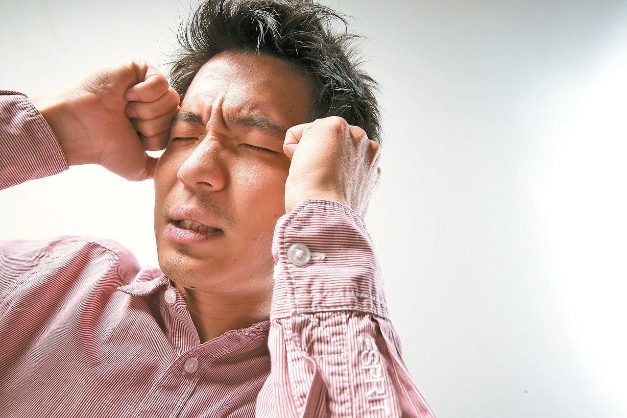 冷氣病致病原因為室內室外溫差過大,一吹到冷氣,腦部血管迅速收縮,以致頭痛。  ...
