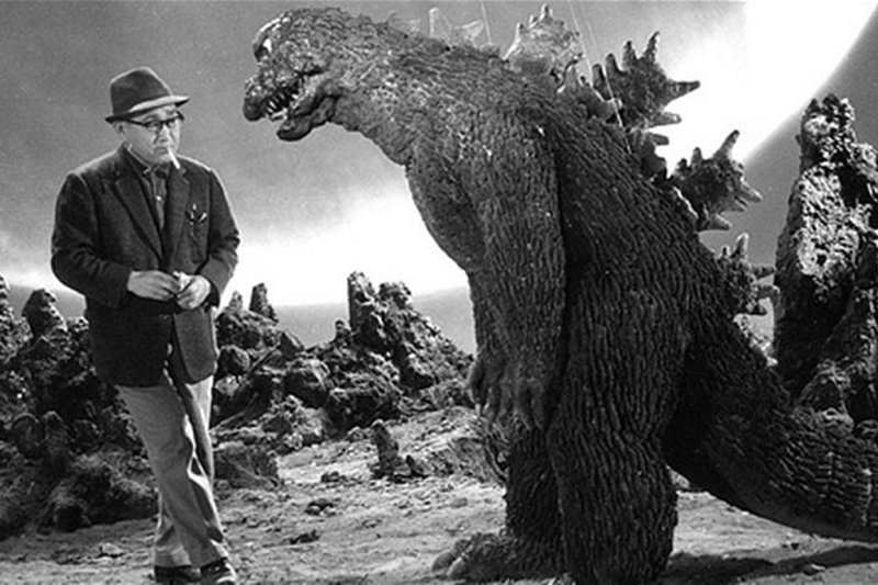 圓谷英二被稱為日本的「特攝之神」,1954年的電影《哥吉拉》是他的特攝傑作。 圖/IMDb