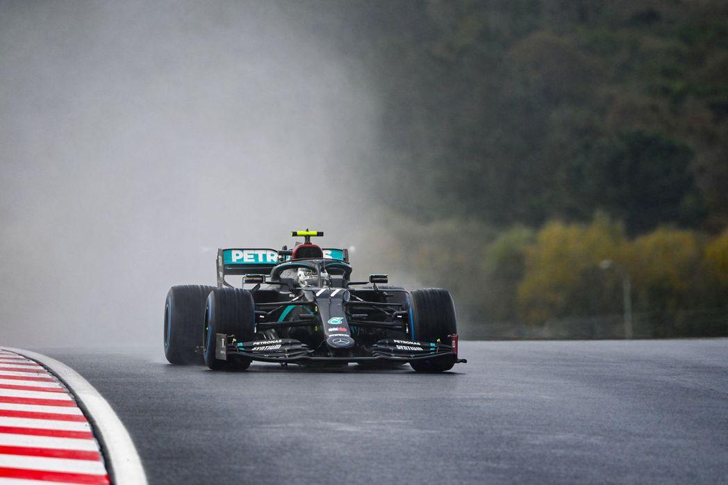整個周末伊斯坦堡賽道的天氣都不是很好。 摘自F1