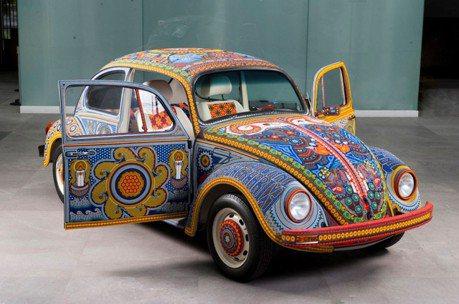 耗時9千小時200萬顆珠飾!這特殊的福斯金龜車你看過嗎?