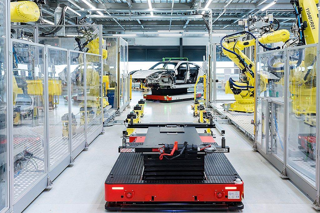 保時捷推出Porsche Impact碳中和計畫,讓客戶可以根據車款、里程數等來...