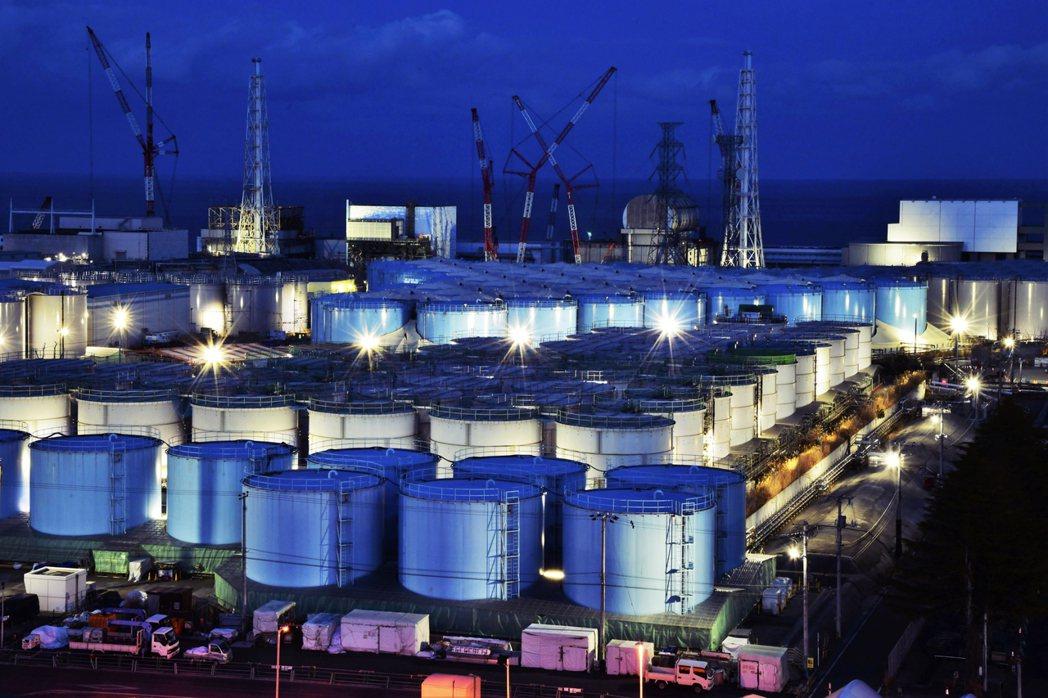 處理水到底要不要排放到海中?至今日本政府其實並未發表正式決策。 圖/美聯社