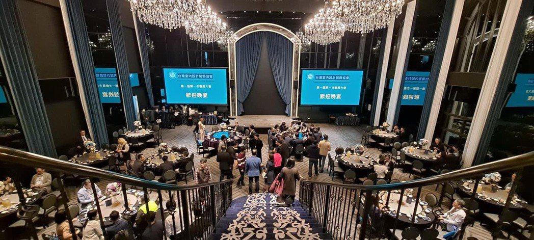 台灣室內設計裝飾協會第一屆第一次會員大會盛大成立。 協會/提供