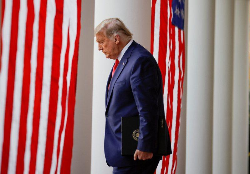 川普仍是美國總統,手握國防和外交大權,最壞情況是在幾個國際熱點製造衝突,讓拜登上任後難以收拾。路透