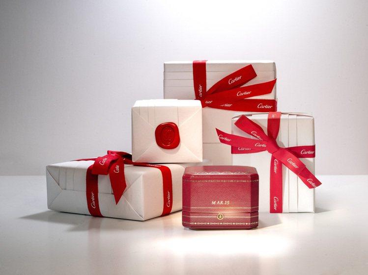 卡地亞推出期間限定紅盒燙印服務。圖/卡地亞提供