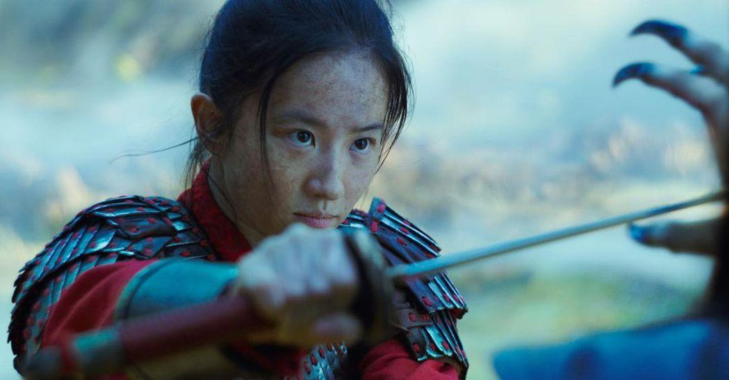 「花木蘭」在全美民選獎頒獎典禮上獲頒「最佳動作電影」。圖/摘自imdb