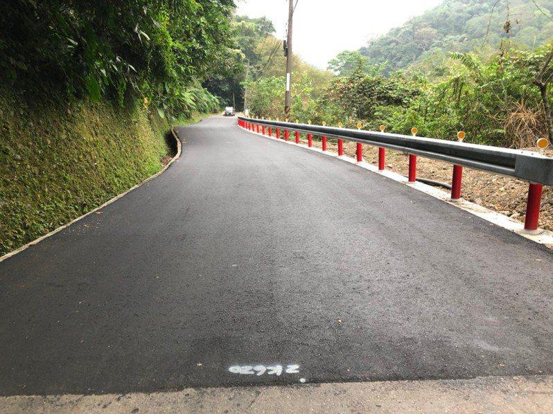新竹縣政府爭取經費改善竹67、竹62線道路,工程在本月完工,有助提升行車安全。記者陳斯穎/攝影