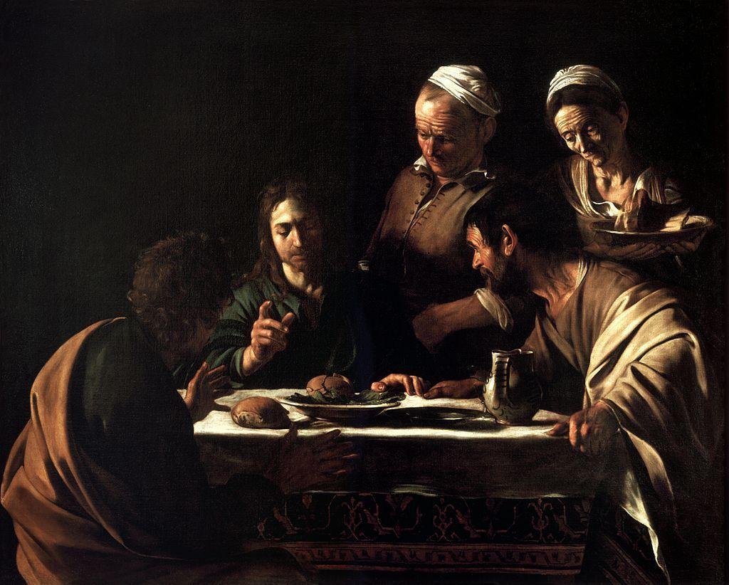 卡拉瓦喬於1606年繪製的油畫作品《以馬忤斯的晚餐》。在這幅畫,我們可以看到卡拉瓦喬如何以背景的黑暗與光源所及之處的高度對比呈現其暗色調畫法(tenebrism)。 圖/維基共享