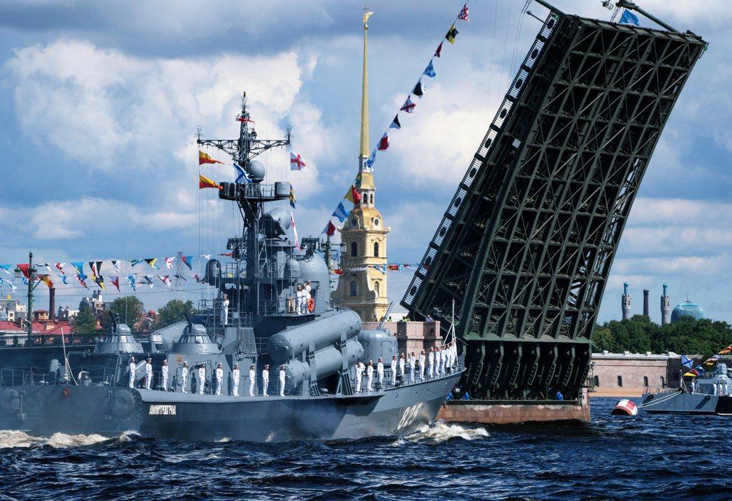 根據俄國政府與蘇丹簽署的租借協議,俄國海軍將在蘇丹港以北的「紅鶴灣」興建現代化的...