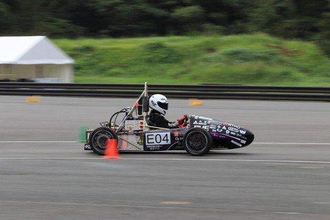 郭佩瑜/我是女生,也是「學生方程式賽車」設計工程師