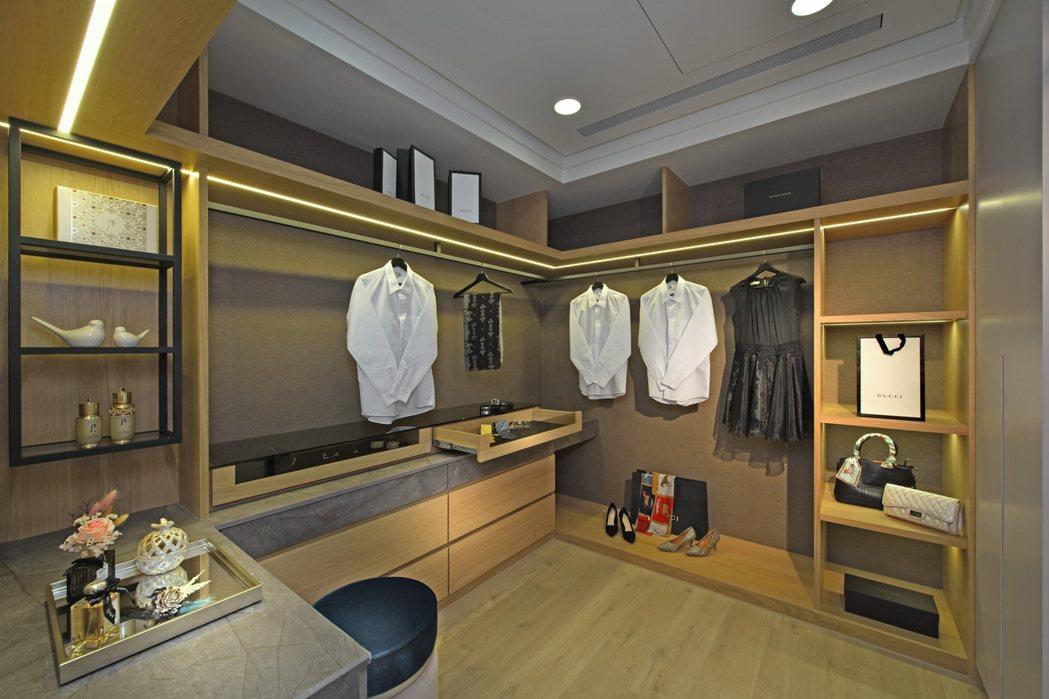 空間寬敞更衣室。圖片提供/承尚建設