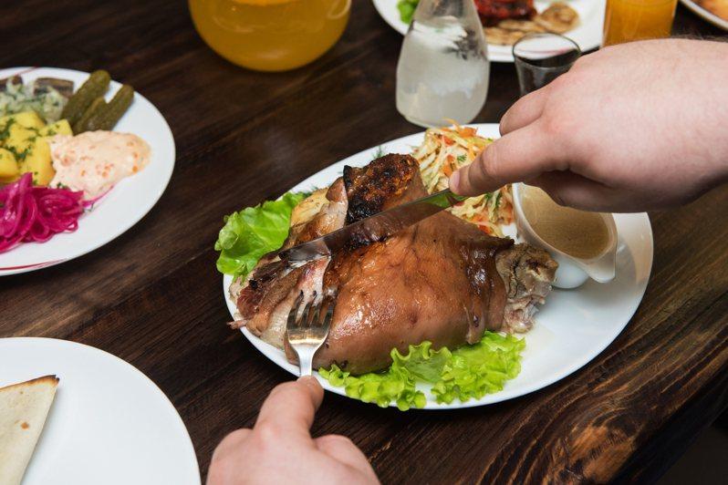食用豬腳示意圖。圖/Ingimage