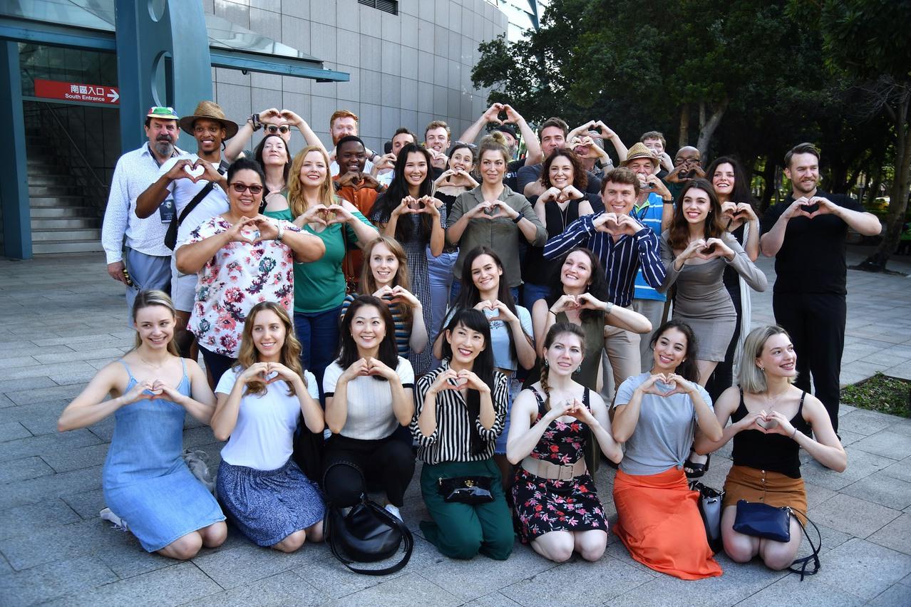 歌劇魅影全員130人解隔離 小巨蛋外高喊「你好台灣」