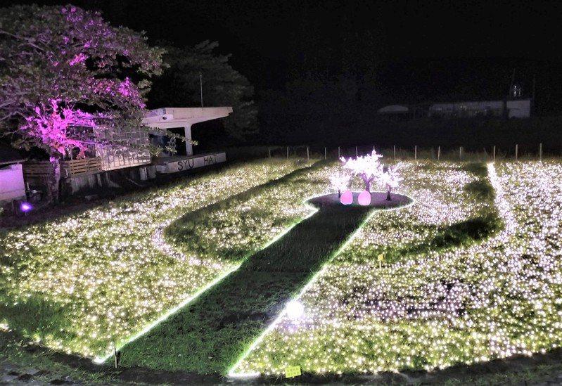 屏東縣原民牡丹鄉的旭海溫泉區,今年別出心裁打造浪漫的星光大道和情人座。記者潘欣中/翻攝