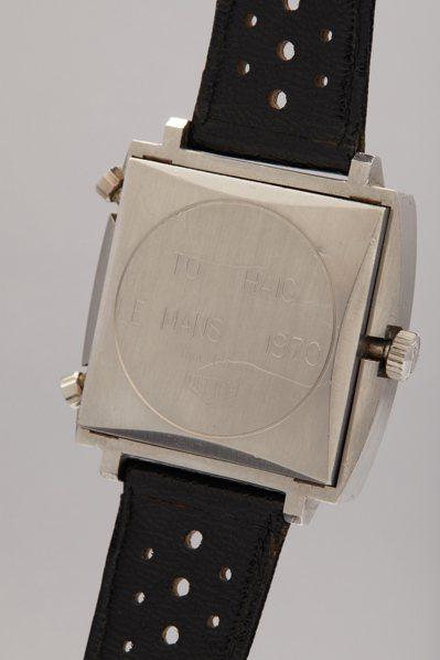 史提夫麥昆1971年經典賽車電影「極速狂飆」中配戴的豪雅Monaco腕表,表背鐫...