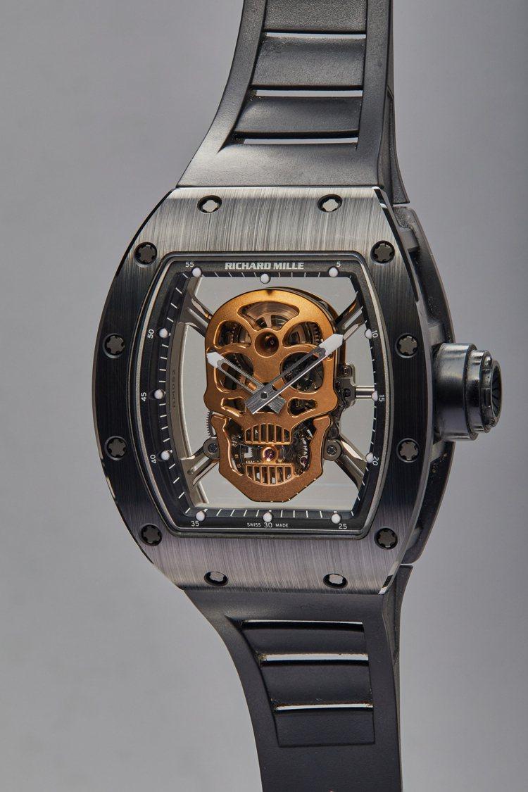 史特龍所擁有的Richard Mille「Skull TZP」陶瓷陀飛輪腕表,型...