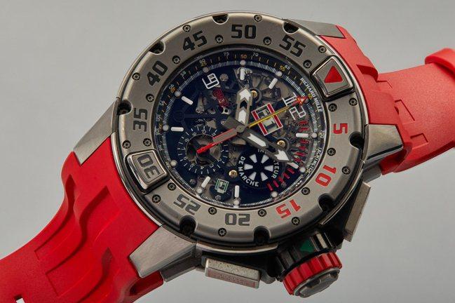 史特龍於「浴血任務 3」中曾配戴的型號RM032-TI鈦金屬年曆腕表,估價60,...
