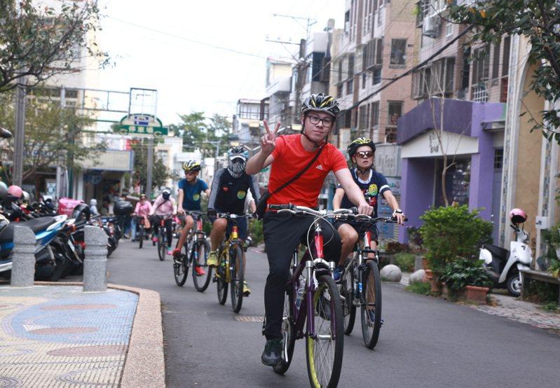 台中自行車嘉年華活動,邀藝人陳漢典代言。圖/台中市觀旅局提供