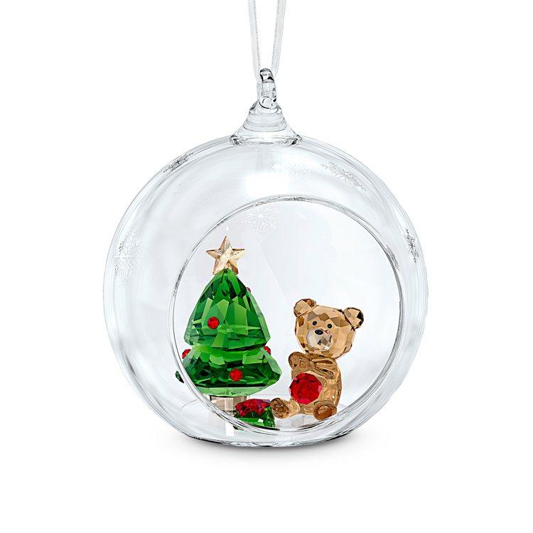 施華洛世奇聖誕球掛飾,3,490元。圖/施華洛世奇提供