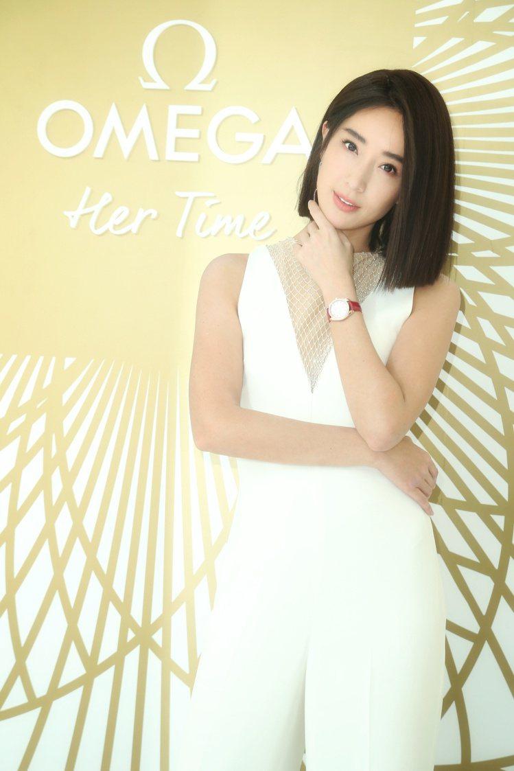 「女神」隋棠今日出席歐米茄(OMEGA)的「她的美麗時光(OMEGA)」特展,並...
