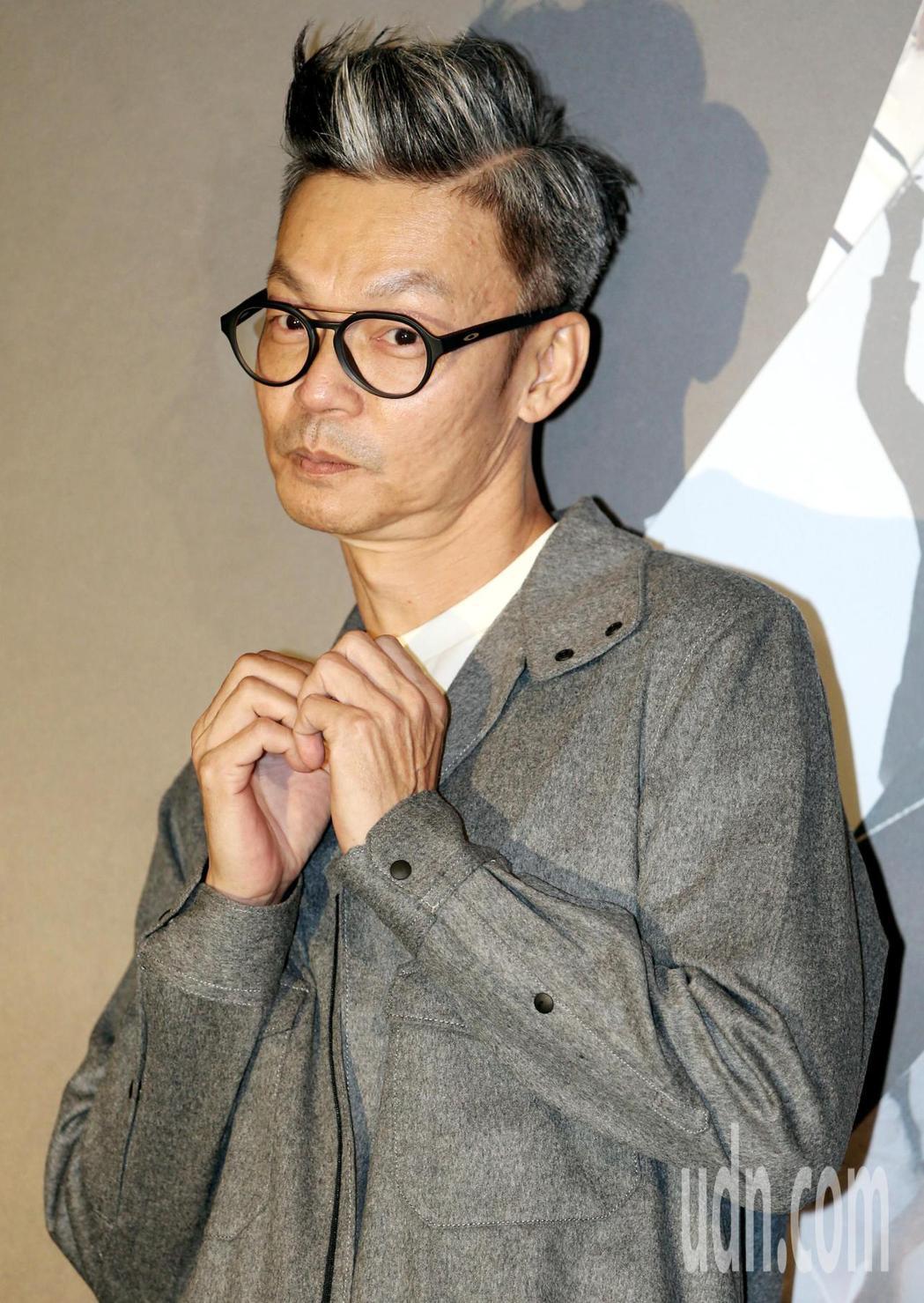李國煌在戲中飾演一個為了生計被迫反串變裝成皇后的父親。記者侯永全/攝影