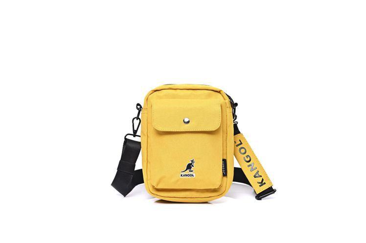 KANGOL防潑水小包,市價1080元,紅利點數10,000點,加價購599元。...