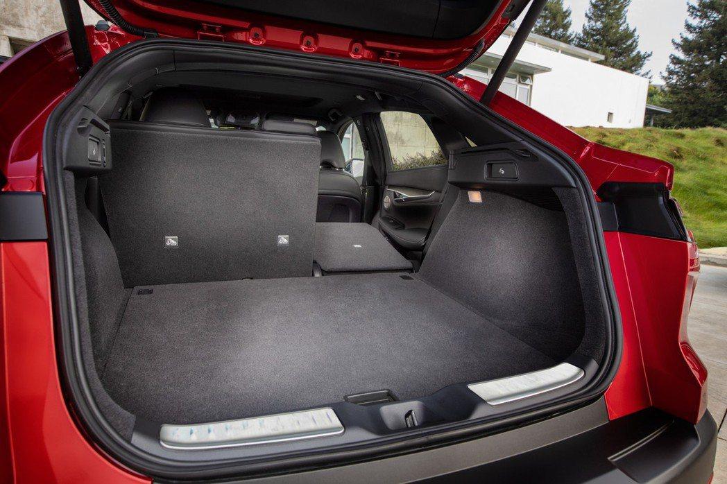 QX55的行李箱容積達762L。 圖/Infiniti提供
