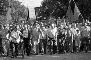 「黨」的信仰是如何幻滅的?評康查洛夫斯基《親愛的同志》
