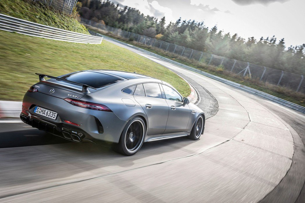Mercedes-AMG GT 63 S 4MATIC+締造了7分23秒009的...