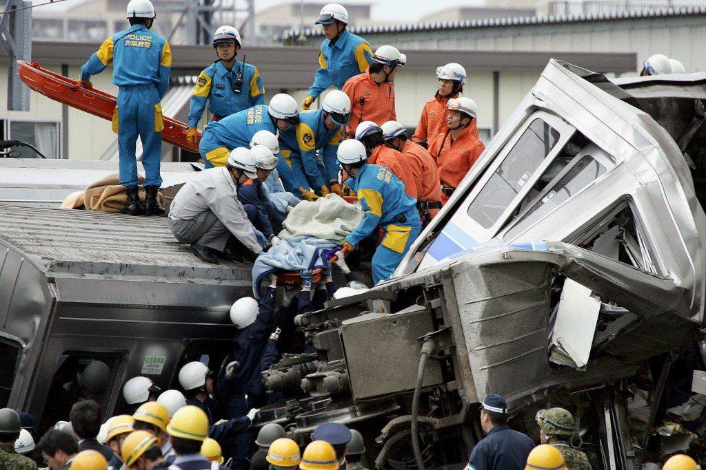 這起事故共造成107人死亡,562人受傷。 圖/法新社