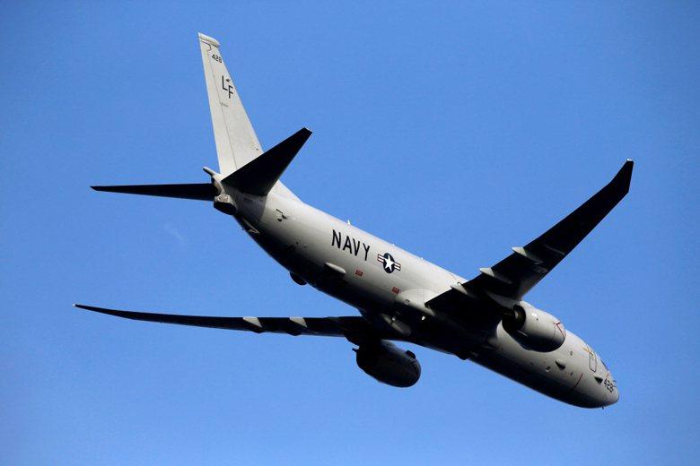 今年9月,美軍P-8A反潛巡邏機一度距離距中國廣東88.5公里進行偵查。 圖/路透社