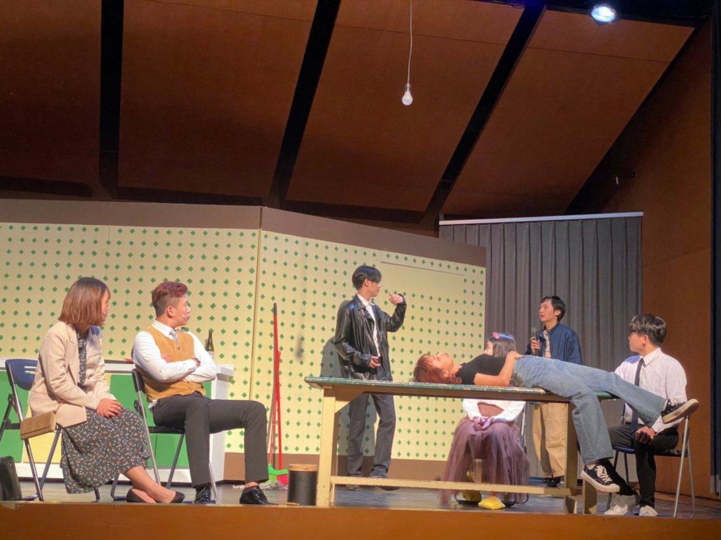 應外系學生畢業公演,語文專業與表演藝術精采呈現。龍華科大/提供