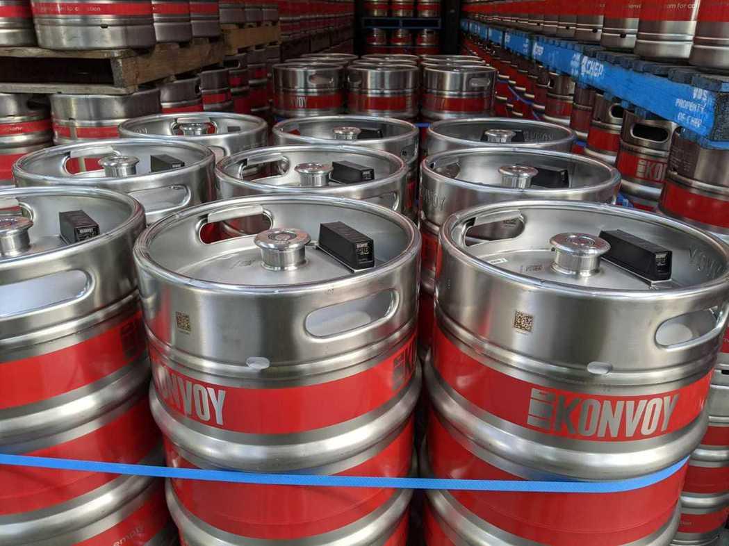 澳洲啤酒桶租賃新創公司「Konvoy」今(18)日亮相全球首創「客製化啤酒桶物流...
