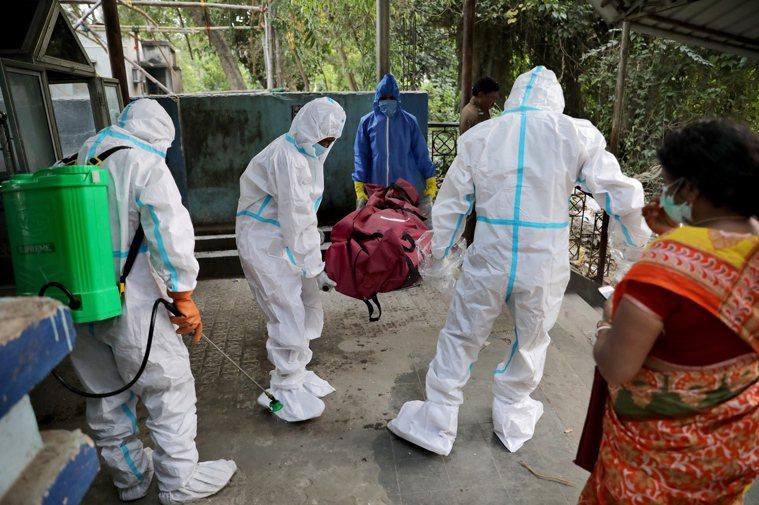研究發現,新型冠狀病毒在零度以下和「濕度超級飽和」環境中,可存活長達一個月。 歐...