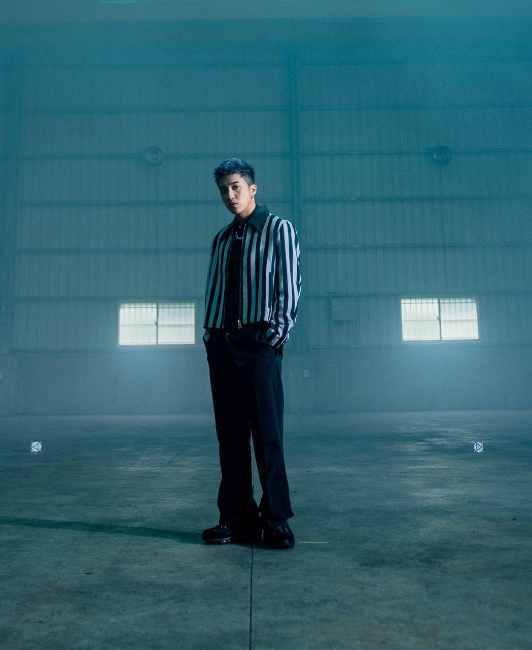 婁峻碩為籃球手遊創作主題曲「SHOW ME SOME」。圖/想不到音樂工作室提供