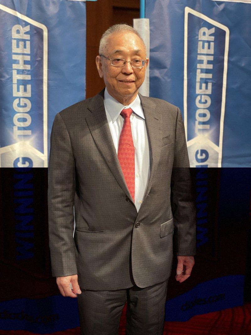 達爾科技全球總裁盧克修首度在台舉行法說會,說明投資台灣二家公司德微及敦南的分工及未來規劃。記者簡永祥/攝影