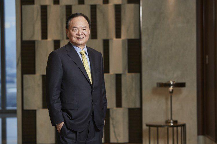全聯福利中心董事長林敏雄表示,數位轉型、電子支付和電商發展,是全聯明年計畫的重中...
