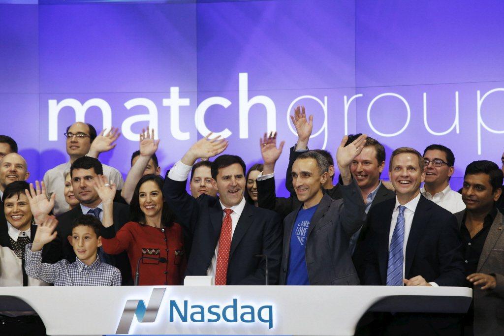 佔據交友軟體60%市場的公司「配對集團」(Match Group)同時擁有Pairs派愛族、OkCupid、Tinder等耳熟能詳的交友軟體品牌。 圖/路透社