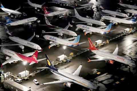 2019年3月起遭全球停飛的美國波音737 Max系列客機,在18日下午,終於被...