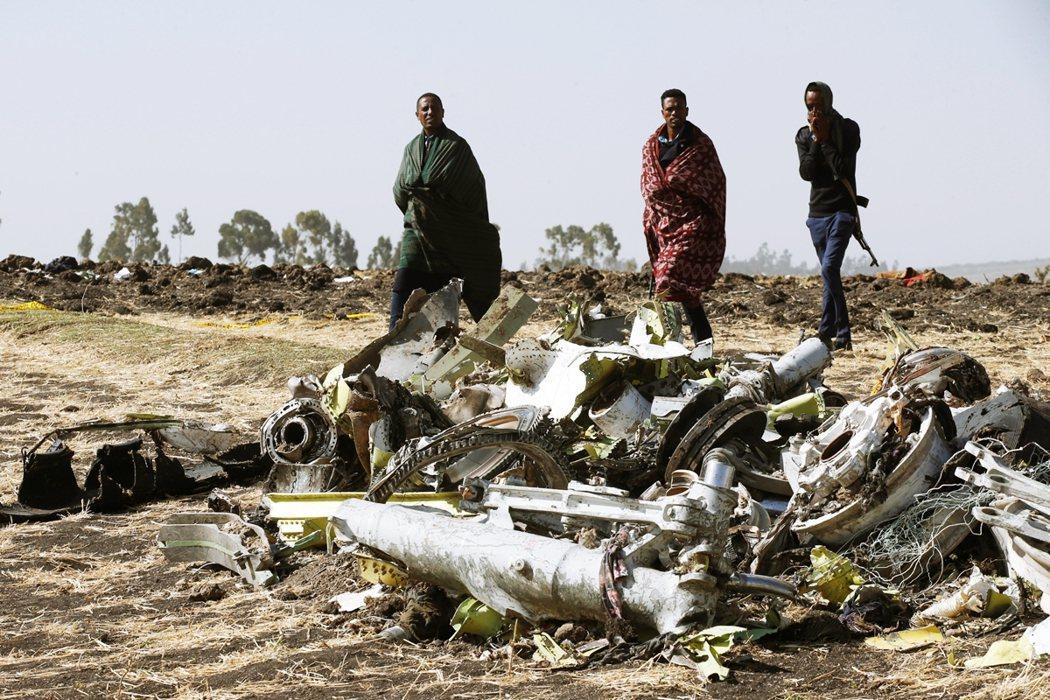 2019年衣航空難,在阿迪斯阿貝巴附近的機體殘骸。 圖/路透社