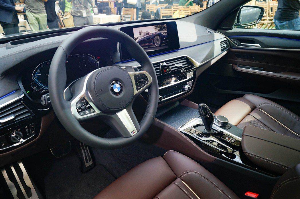 小改款BMW 6 Series Gran Turismo配置雙12.3吋的數位儀...
