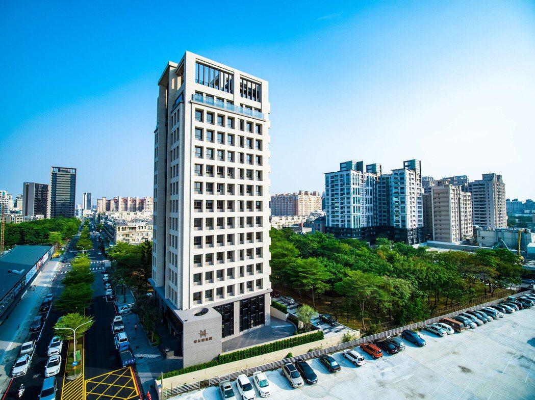 華友聯集團自地自建企業總部,並重新設計公司CIS(企業識別系統)。