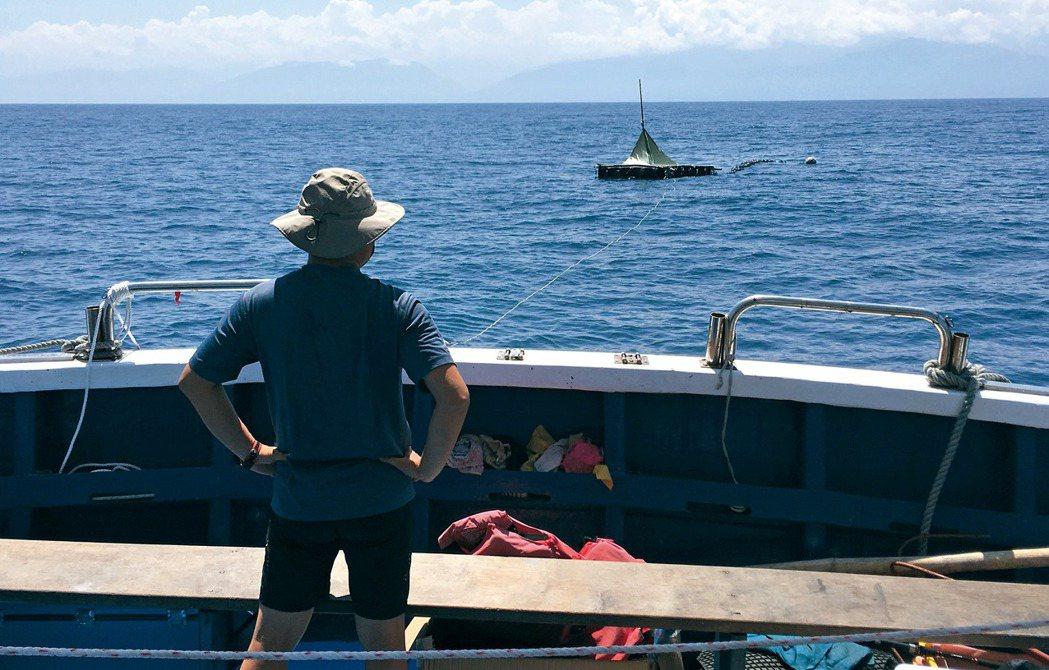 男人與他的海。 圖/黃嘉俊提供