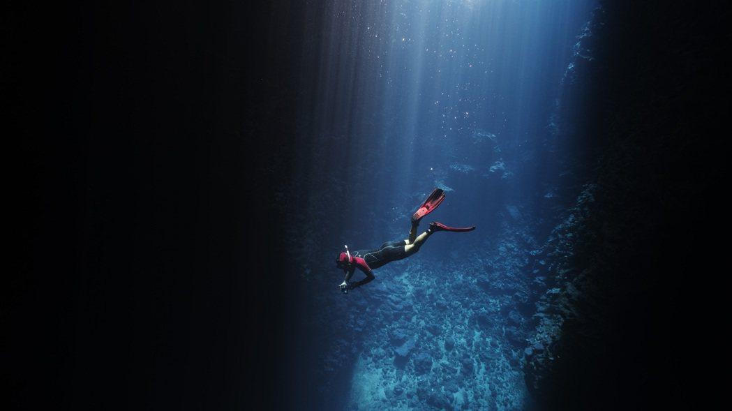 男人與他的海。 圖/金磊攝影