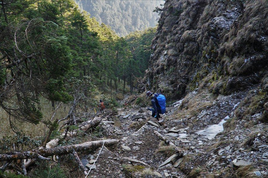 若是登山者懂得觀察環境,及時警覺到狀況有異,就能夠導回正途。  圖/作者自攝