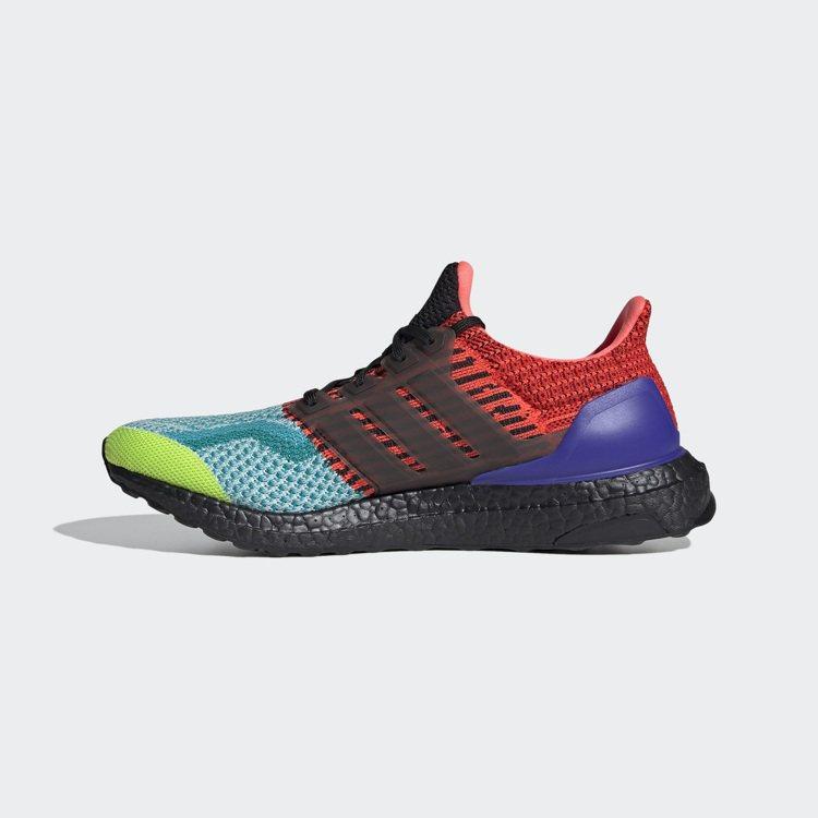 Ultraboost OG Legacy跑鞋5,990元。圖/adidas提供