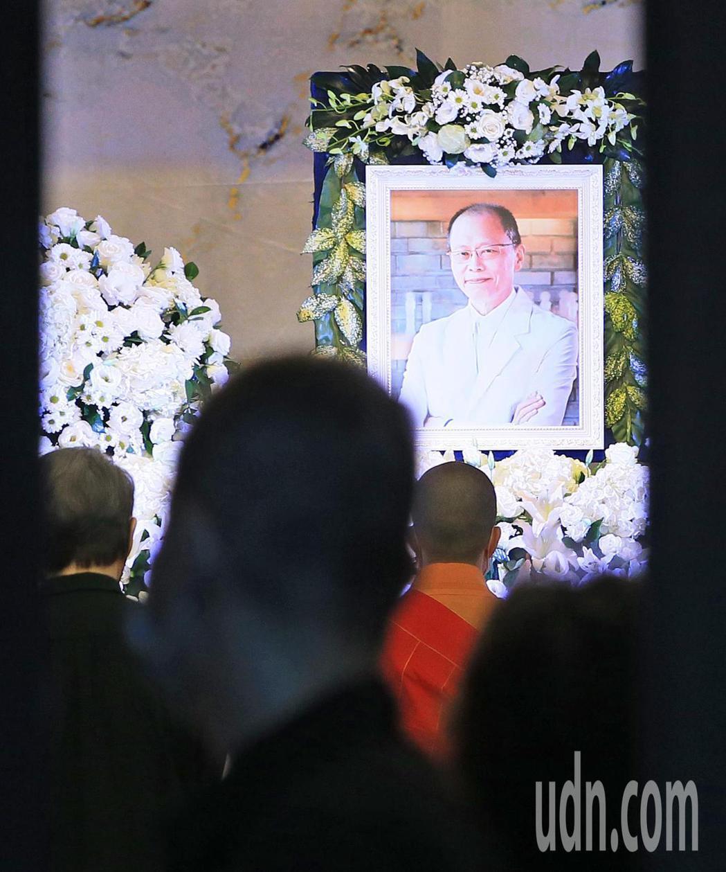 金馬名導張毅1日病逝,今天在第二殯儀館舉辦家祭、火化儀式。記者潘俊宏/攝影