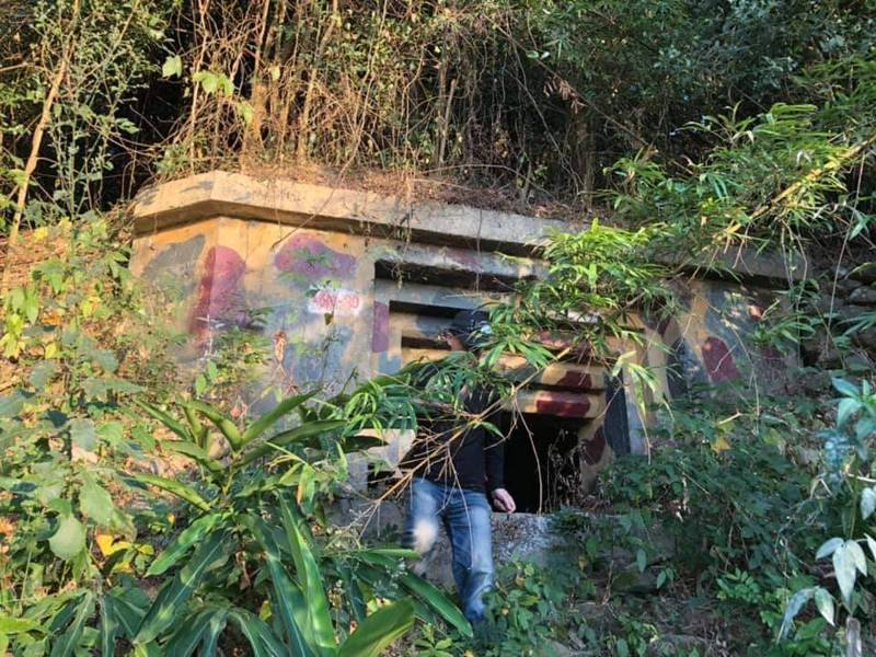 屏東二戰軍事遺跡「石頭營」共有60處軍事陣地,但當地擬遭種電。圖/林炫耀提供